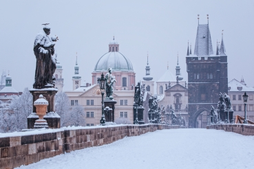 charles-bridge-in-winter