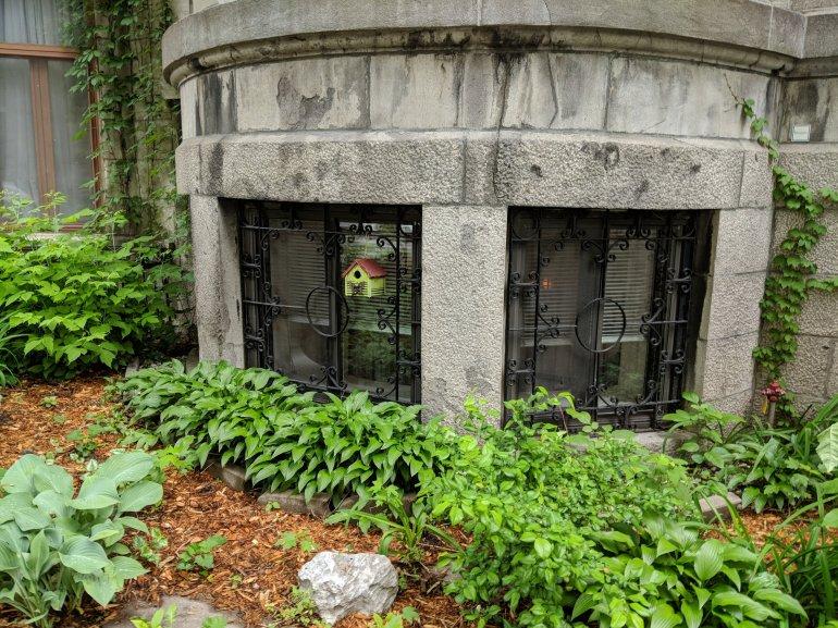 A sweet birdhouse - Montreal